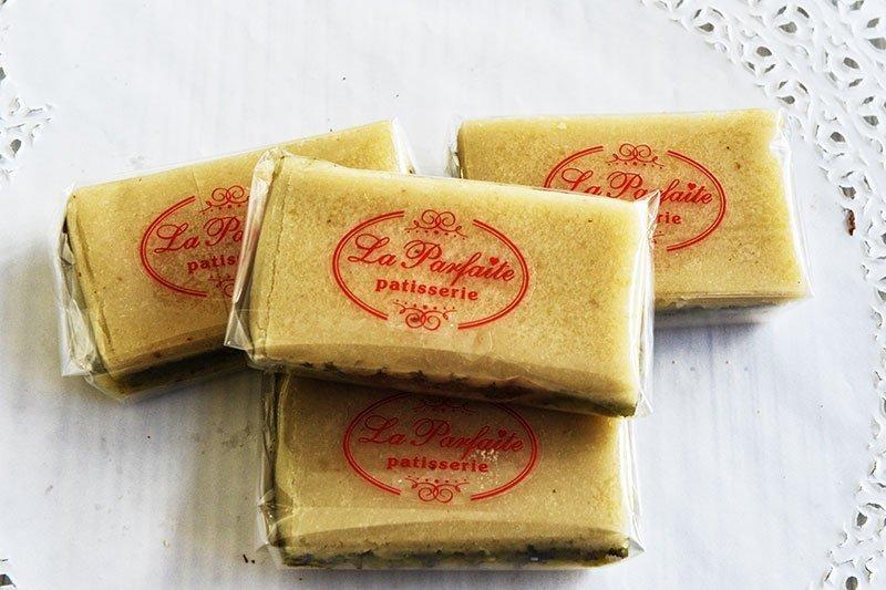 Αμυγδαλωτά από τα ζαχαροπλαστεία La Parfaite.
