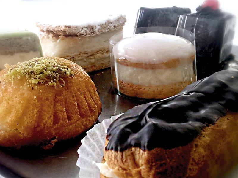 Κορμοί, Τάρτες ,Γλυκά La Parfaite, Λεωφόρος Γρίβα Διγενή 63, Λευκωσία, Κύπρος. Τηλέφωνο : 22 661 412