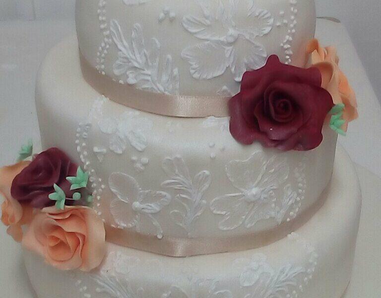 Τούρτα Γάμου από τα ζαχαροπλαστεία La Parfaite