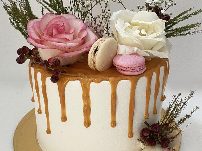 Drip Cake από τα ζαχαροπλαστεία La Parfaite